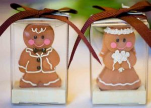 gingerbreadmen as bride and groom